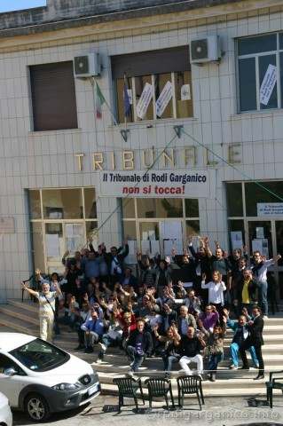sit-in tribunale rodi